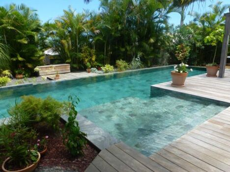 Le carrelage pour votre piscine - Carrelage piscine moderne ...