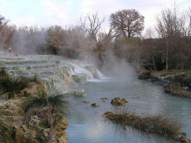 Cascate Del Gorello, l'une des cascades des thermes Saturnia, en Italie