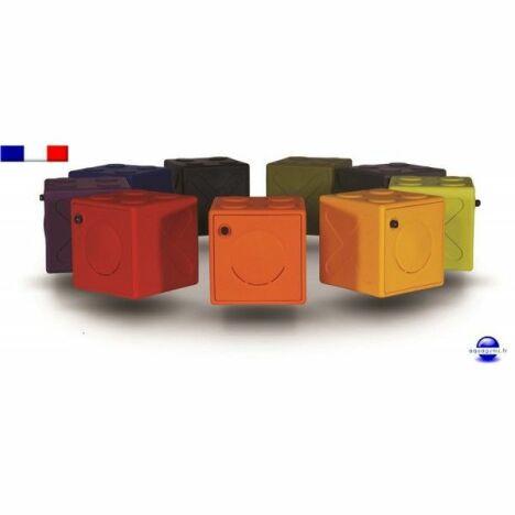 """Casier vestiaire en plastique OonCub<span class=""""normal italic petit"""">© Aquagyms</span>"""