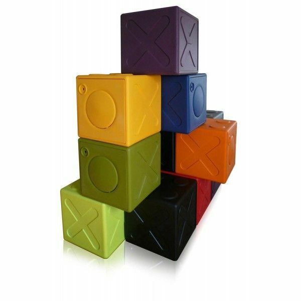 casier vestiaire en plastique ooncub par aquagyms. Black Bedroom Furniture Sets. Home Design Ideas
