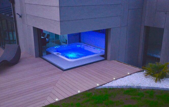 Catégorie spa trophée argent ex-aequo: Guenan Piscines / L'esprit piscine © Constructeur / Installateur Guénan piscines (29) / l'esprit piscine.