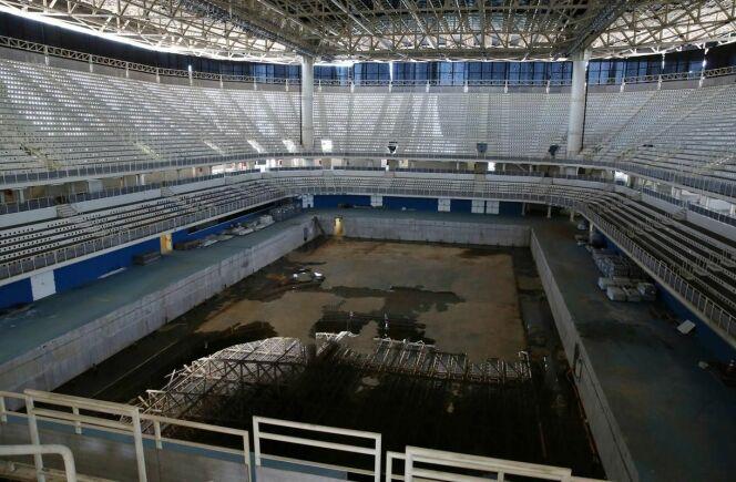 Ce qu'il reste de la grande piscine olympique.