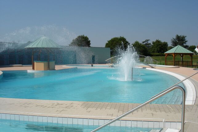Centre aquanova - Piscine à Neuville aux Bois