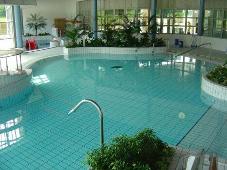 """La piscine Aqualis à Gouvieux<span class=""""normal italic"""">DR</span>"""