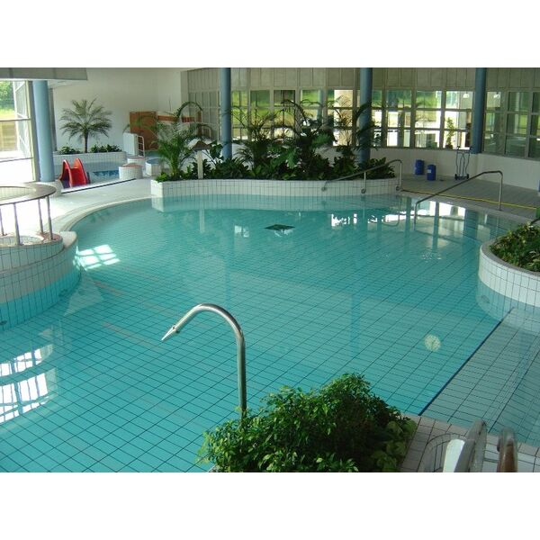 Jeux aquatiques pour piscine - Piscine gonflable adulte le mans ...