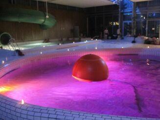 La piscine Aquamaris à Cordemais s'anime lors de soirées à thème.