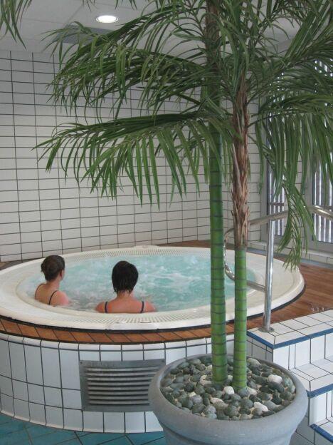 "Aquamaris : le bain bouillonnant<span class=""normal italic petit"">DR</span>"
