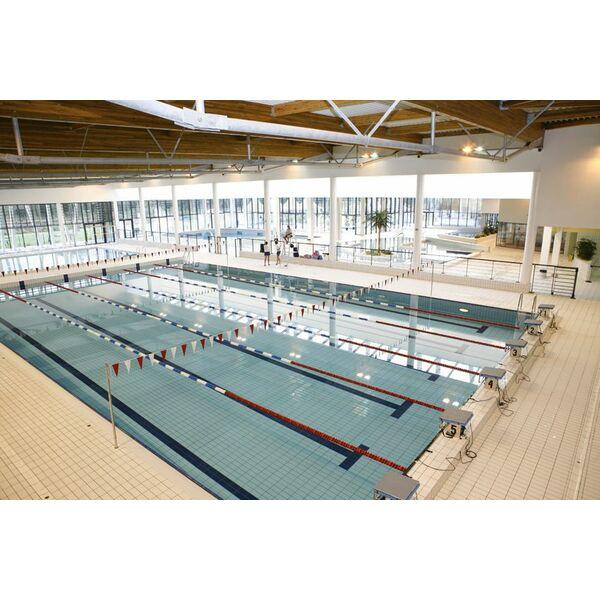 Centre aquatique aygueblue piscine saint geours de for Piscine a saintes