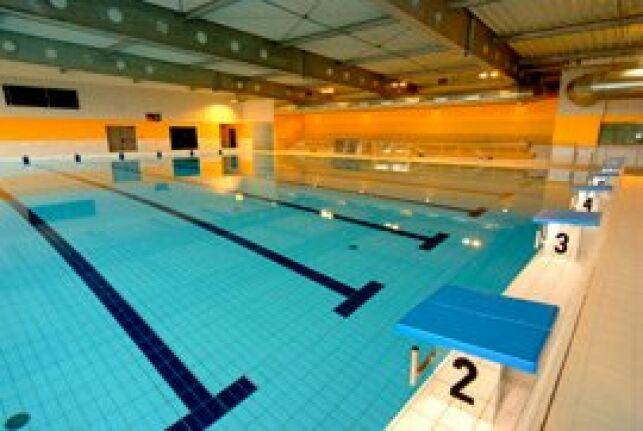 Le bassin sportif de la piscine d'Aurillac