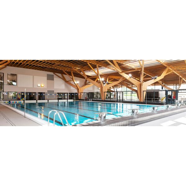 Centre Aquatique Des  Valles Alain Bernard  Piscine  MillyLa