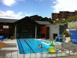 Le bassin extérieur de la piscine Paradisio