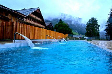 Centre aquatique Forme d'O - piscine à Châtel