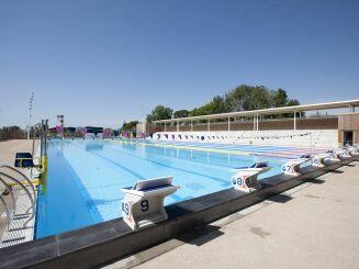 Le centre aquatique Grand Bleu à Cannes est équipé d'un appareil de mise à l'eau pour les personnes à mobilité réduite