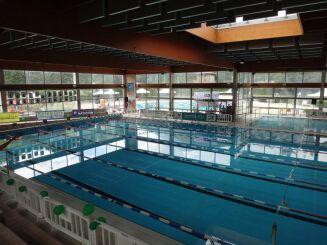 Centre nautique à Fontaine : le bassins sportif intérieur