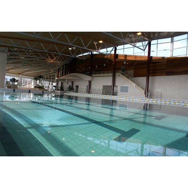 supérieur ... Le centre nautique à Saverne et son bassin de natation.