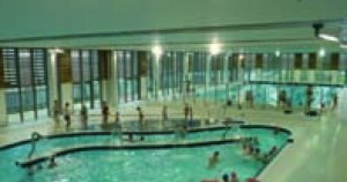Avis et commentaires centre aquatique piscine sedan for Avis sur piscine waterair