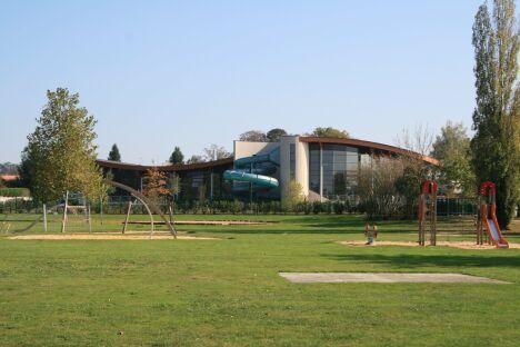 """Centre aquatique Gatinéo à Parthenay<span class=""""normal italic petit"""">DR</span>"""