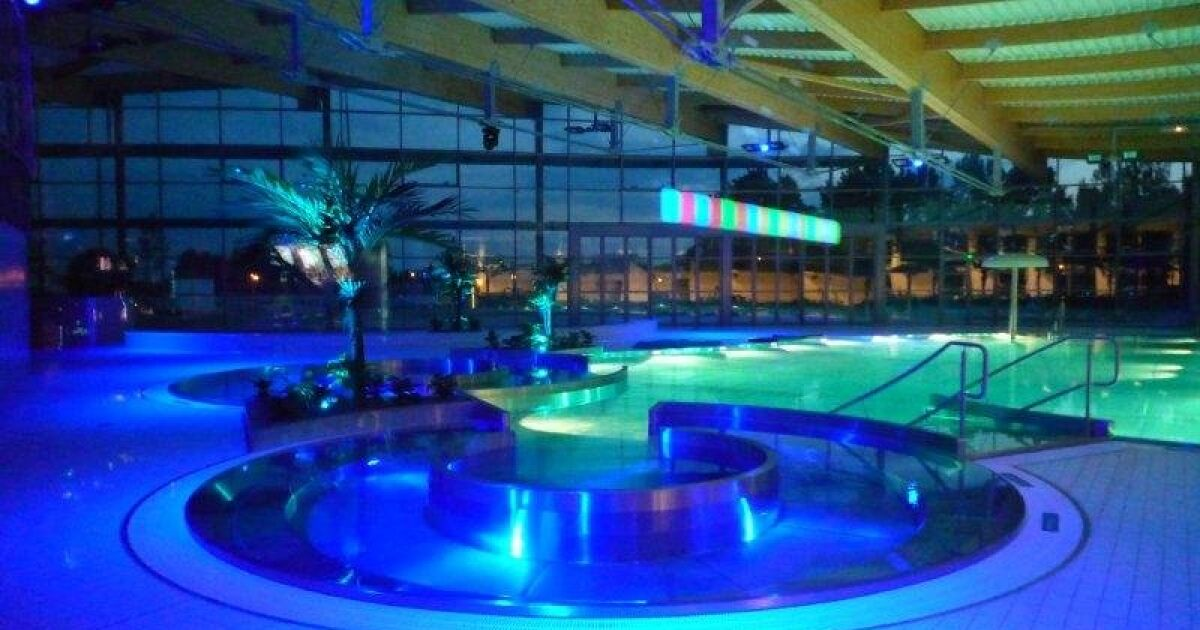 Centre nautique la vague piscine soisy sous for Piscine 95