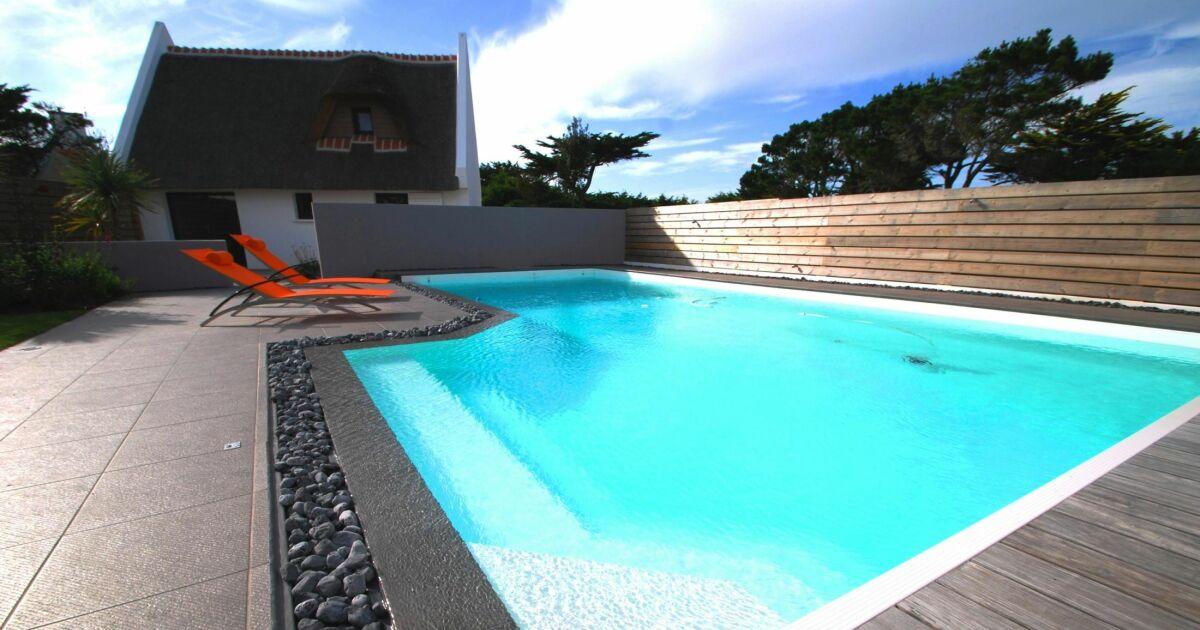 Piscines familiales en photos les plaisirs de l 39 eau pour for Piscine blue design le bouscat
