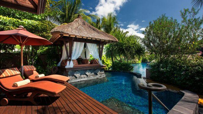Chambre donnant sur la piscine lagon