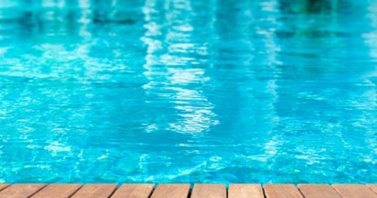Charente piscine mornet baignes sainte radegonde for Construction piscine jonzac