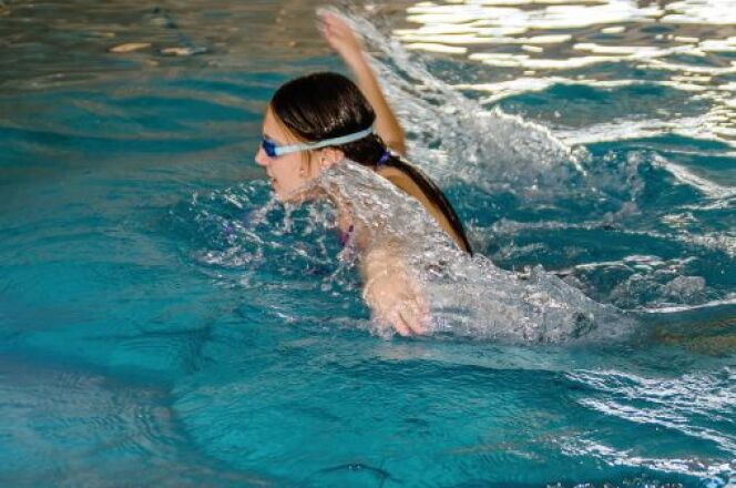 """Chlore de piscine : attention à la décoloration des cheveux<span class=""""normal italic petit"""">© Thinkstock</span>"""