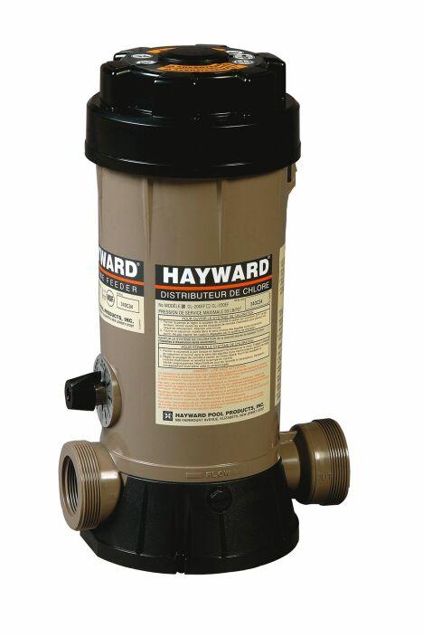 """Les distributeurs de produits chimiques pour piscine permettent un traitement en toute sécurité de votre bassin.<span class=""""normal italic petit"""">© Hayward Pool Europe</span>"""