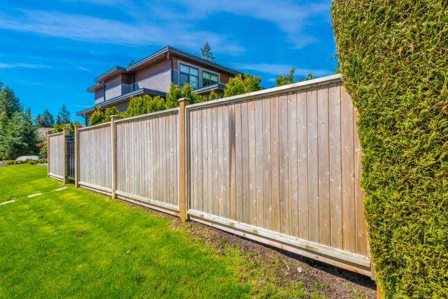 Choisir une clôture pour son jardin avec piscine!