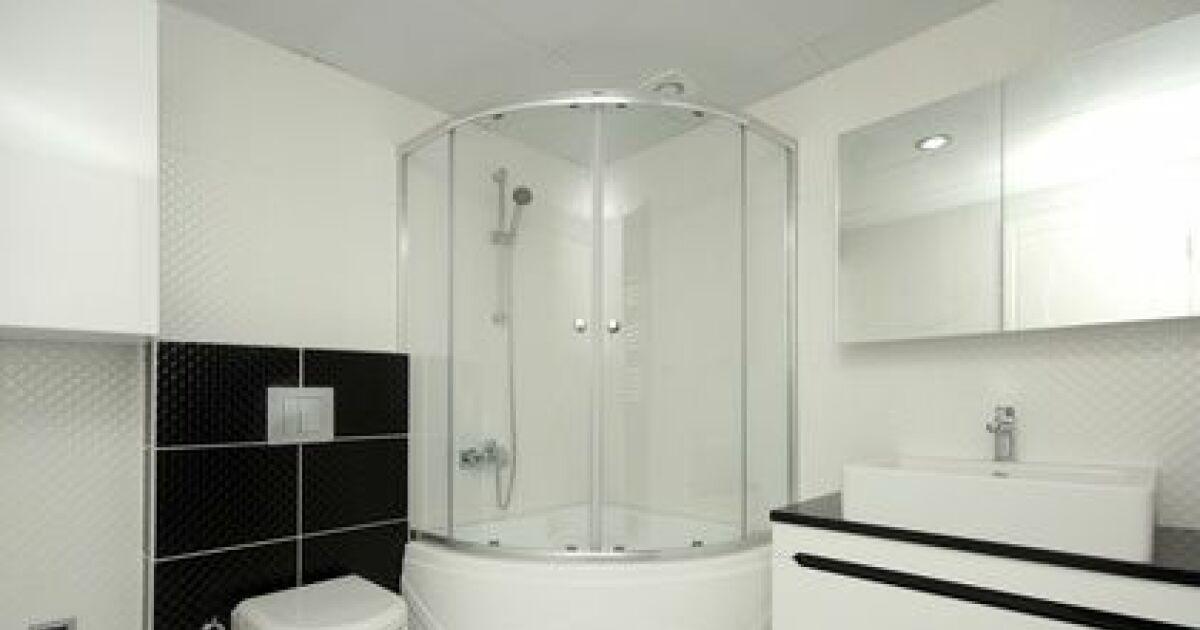 De a z choisir une douche baln o ou douche massante - Bien choisir sa baignoire balneo ...