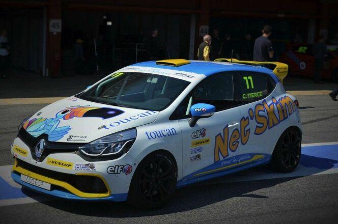 """Clio IV 240CV de Corentin Tierce pour la Clio Cup<span class=""""normal italic petit"""">© tiercecompétition.com</span>"""