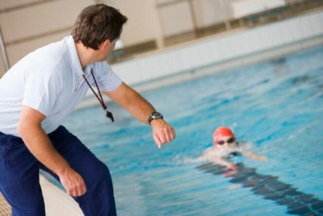 """Coach personnel de natation<span class=""""normal italic petit"""">DR</span>"""
