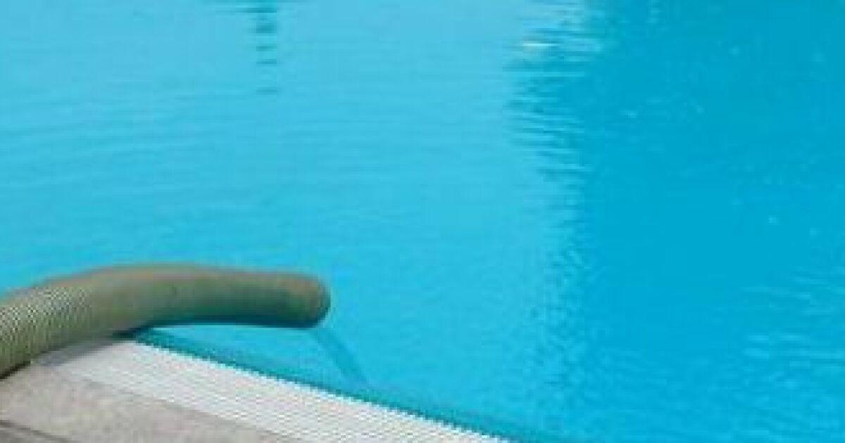 combien de temps pour remplir une piscine. Black Bedroom Furniture Sets. Home Design Ideas