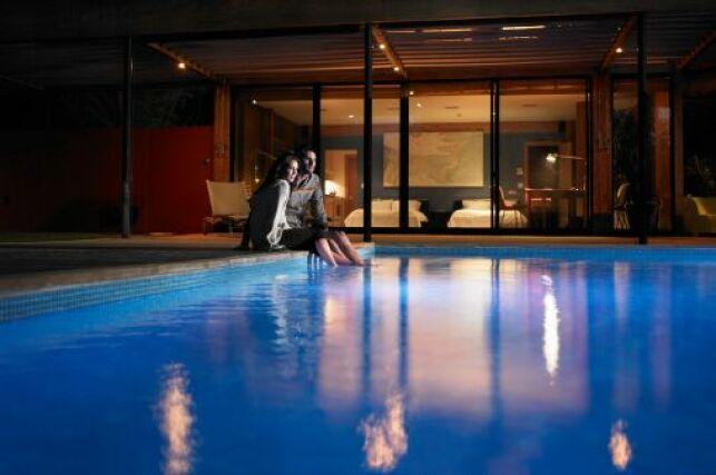 Commande à distance d'un projecteur de piscine