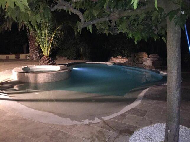 Comment aménager la plage de votre piscine ?