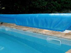 Comment poser une bâche à bulles sur une piscine ?