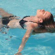 Comment brûler plus de calories à la piscine ?