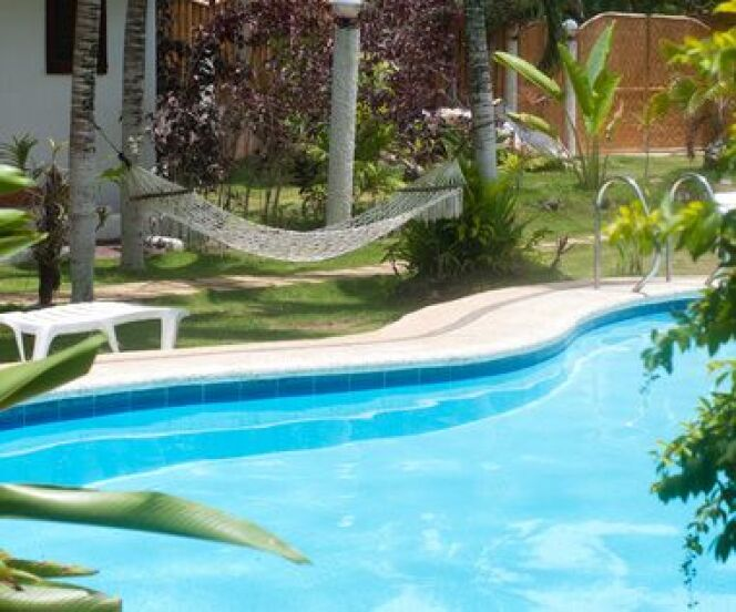 """Comment changer le mode de traitement de votre piscine ? <span class=""""normal italic petit"""">© hansenn - Fotolia.com</span>"""