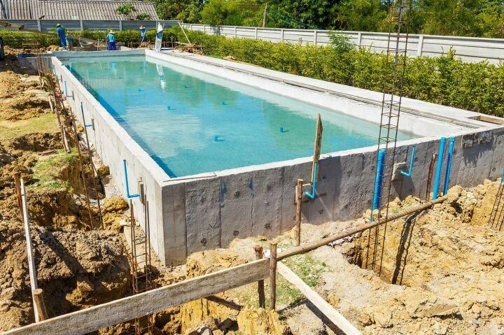 comment construire sa piscine  les différentes étapes