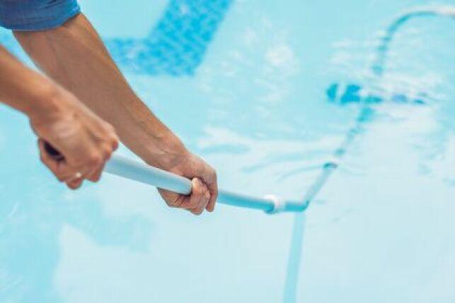 Comment enlever la rouille sur une piscine coque ?