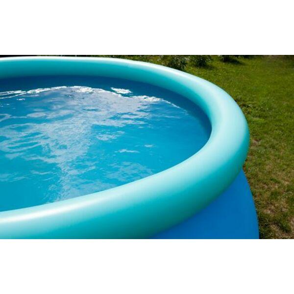 comment installer une piscine gonflable dans son jardin. Black Bedroom Furniture Sets. Home Design Ideas