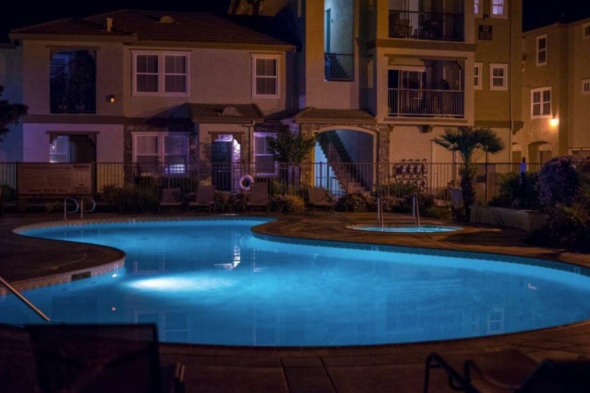 Eclairage Led Autour Piscine installation d'un éclairage de piscine - guide-piscine.fr
