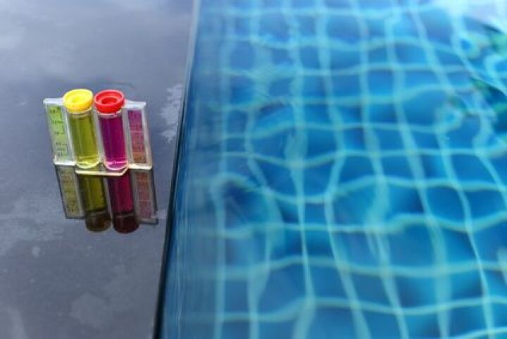Comment mesurer le ph de l eau d une piscine guide - Comment recuperer eau trouble piscine ...