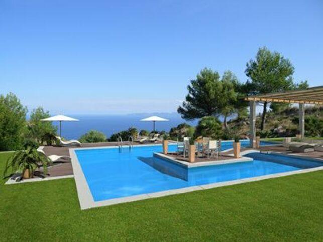 Comment préparer sa piscine avant un départ en vacances ?