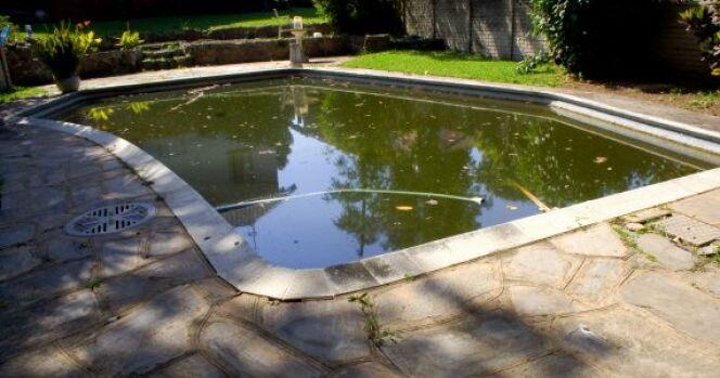 "Comment rattraper une eau de piscine verte ?<span class=""normal italic petit"">© Thinkstock</span>"