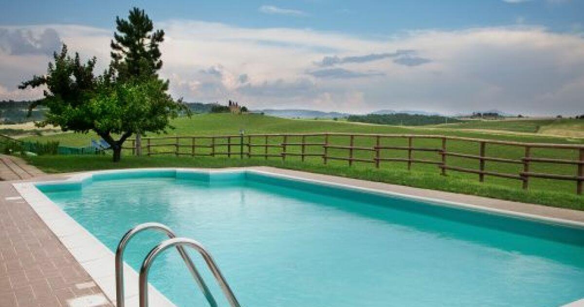 Comment enlever retirer un ancien liner de piscine for Changer un liner de piscine