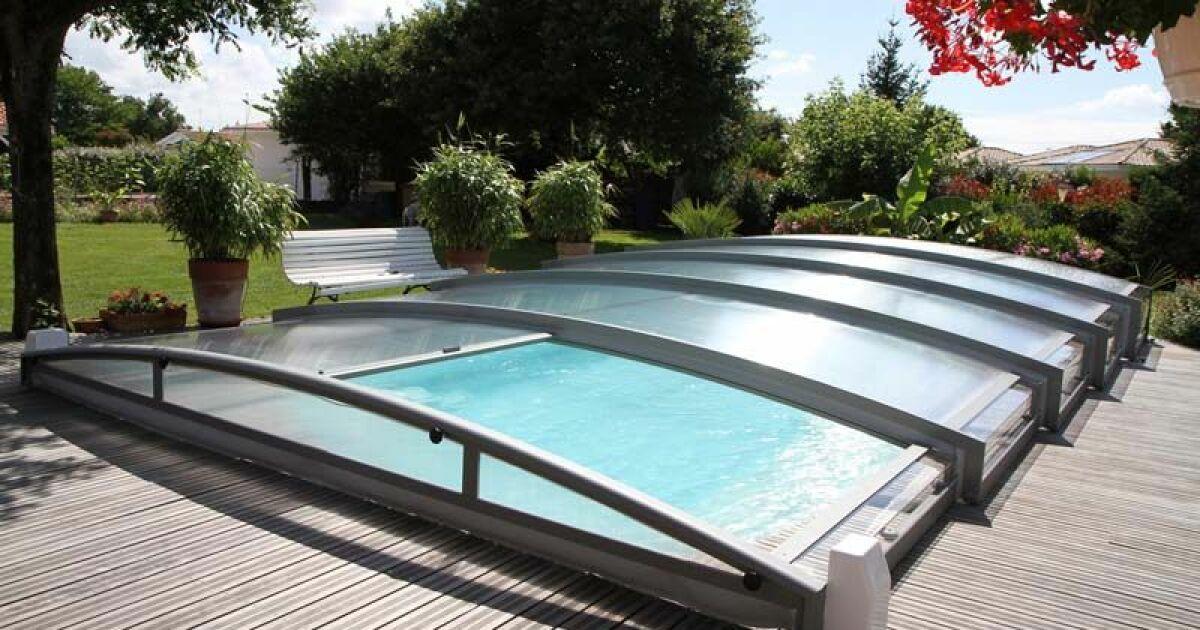 comparatif des diff rents abris de piscine. Black Bedroom Furniture Sets. Home Design Ideas