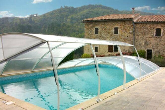"""Comparez les différents systèmes de sécurité piscine<span class=""""normal italic petit"""">© Abridéal</span>"""