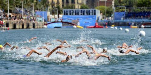 La nage en eau libre est un sport de contact.