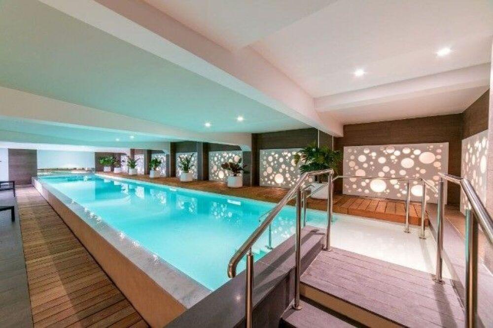 """Concours Pool & Hot Tub Alliance - Catégorie """"Residential Interior Pools""""© Diffazur Piscines"""