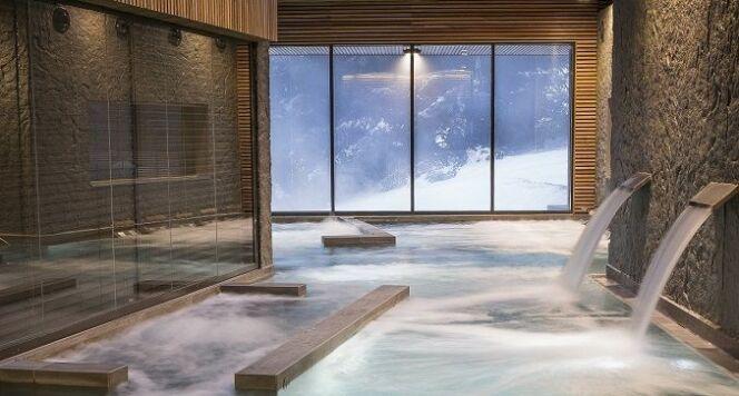 """Concours Pool Vision : les plus belles piscines récompensées à Piscine Global !<span class=""""normal italic petit"""">© M. Lionel Thabaret (107 ARCHITECTURE) - projet « Les Sources du Haut Plateau » (France)</span>"""